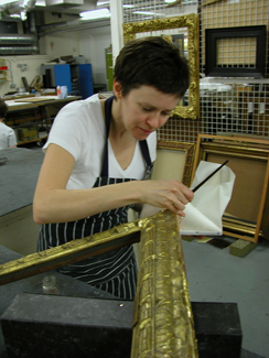 Karen Griffiths gilding a picture frame © National Portrait Gallery, London
