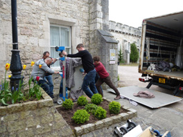 Moving the plinth