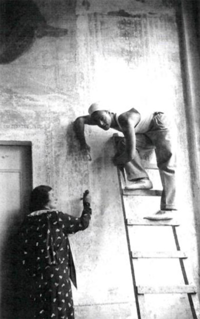 Fig. 4. Baroness d'Erlanger and Oliver Messel restoring La Malcontenta by Cecil Beaton, found in Antonio Foscari, Tumult and Order: Malcontenta 1924 – 1939, trans. Lucinda Byatt, (Baden: Lars Müller Publishers, 2012).