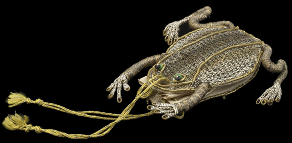 Frog purse, courtesy of the Ashmolean Museum, University of Oxford