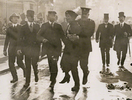 Emmeline Pankhurst's arrest at Buckingham Palace by Unknown photographer 21 May 1914 NPG x137689