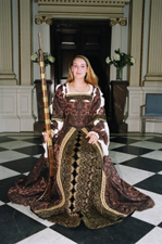 Project participant dressed as Queen Elizabeth I during an Inner Picture workshop.