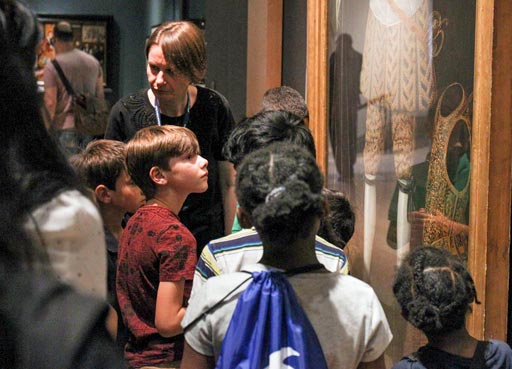 families, Children viewing works